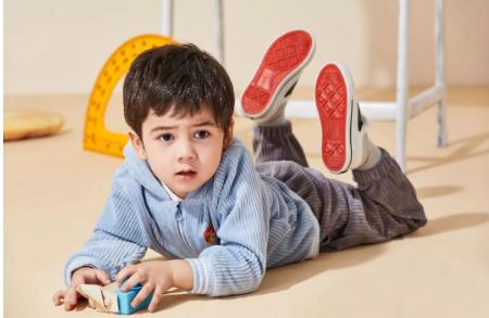 培養孩子自理能力,從穿脫衣開始