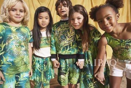 VERSACE2020年春夏童裝系列 演绎玩味童装