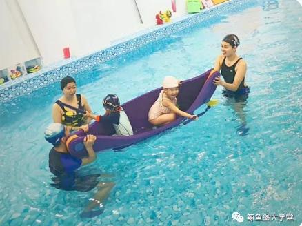 拒绝简单游泳,鲸鱼堡水育课程带给孩子更多成长的乐趣