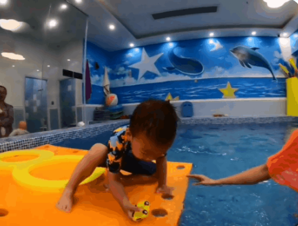 拒絕簡單游泳,鯨魚堡水育課程帶給孩子更多成長的樂趣
