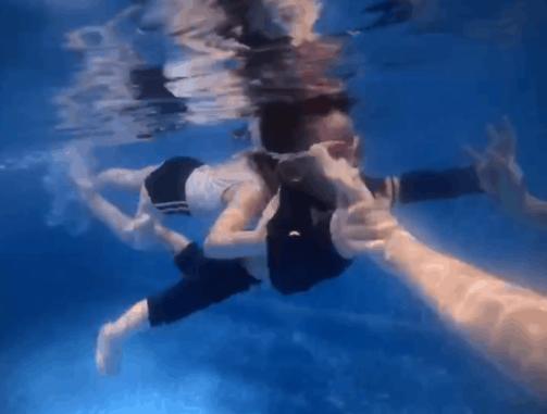 鲸鱼堡运动打卡——锻炼前的拉伸训练你做好了吗?