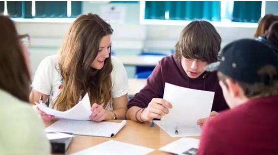 哈馬校服訂做企業:家長挑選國際學校必看的十個層面