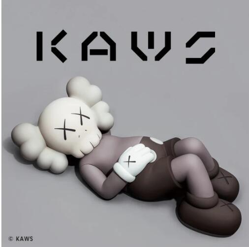 潮酷新灵感,优衣库限定KAWS UT带来亲子穿搭新风尚