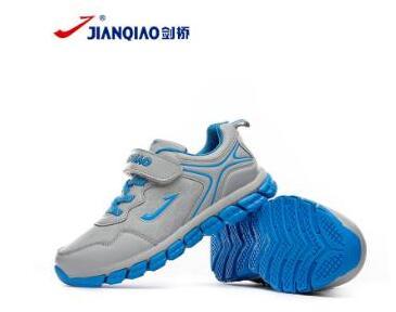 剑桥童鞋:健康舒适才是孩子们足部穿着的首选