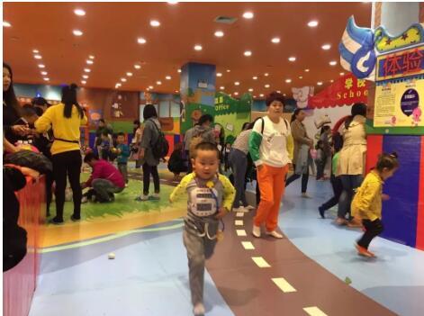 奥乐奥:谁说乡镇不能开儿童乐园,这位宝妈不仅开了还月赚5万!