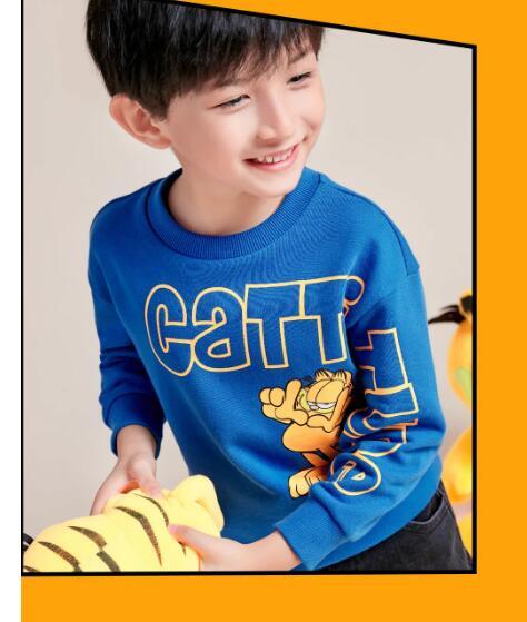 "YISHION以纯儿童:在线""撸猫"",我的快乐又回来了"