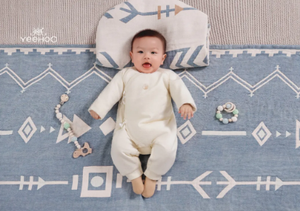 "YeeHoO英氏|免费试用预告!宝宝穿上""小豆奶""!文末有抽奖!"