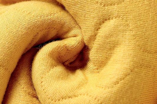 麦拉贝拉童装你是冬天里一抹明亮的色彩