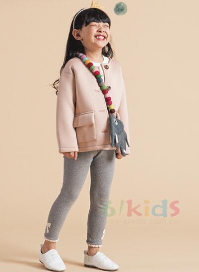 快樂是童年的原色 讓快樂自由飛翔