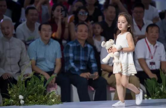 """聚焦""""融.生活""""gretton绿典品牌亮相2017北京时装周 讲述健康童装新理念"""