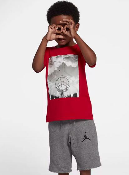 Air Jordan童装在少儿运动服装脱颖而出
