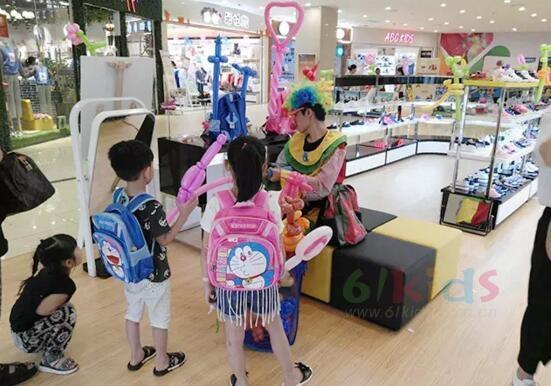 萬眾期待!哆啦A夢童鞋福州萬象城市廣場店盛大開業