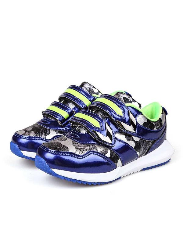 泉發騎士童鞋品牌展示